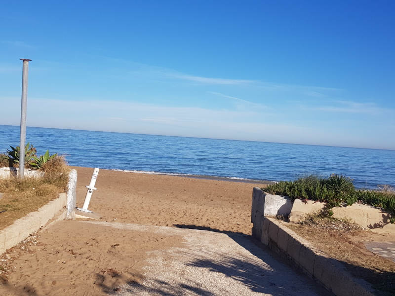 Large villa very close to Denia beach
