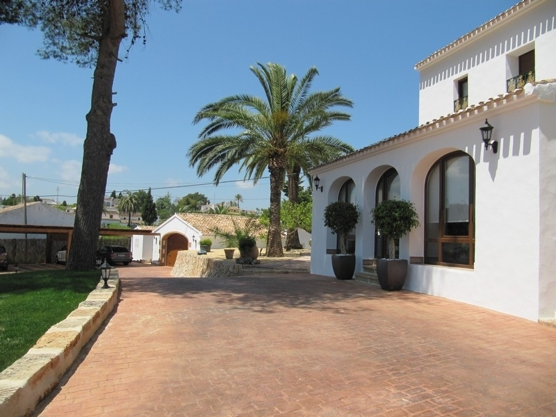 Rustic Villa Fully reformed and refurbished in Javea