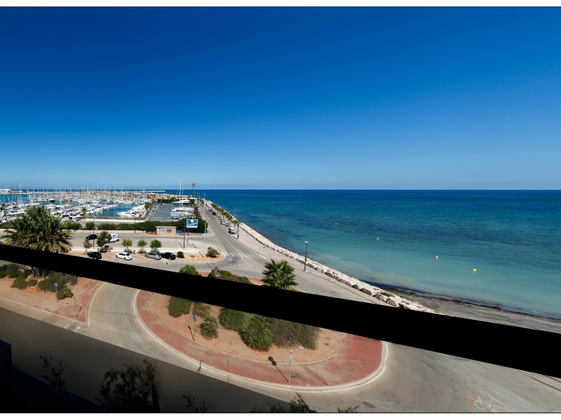 Exceptional penthouse apartment in Denia